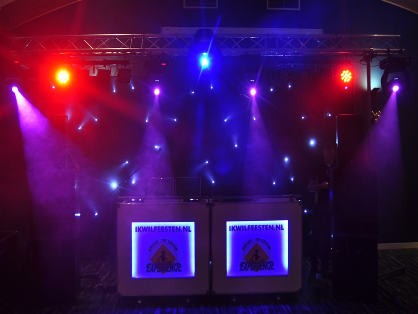 Complete drive in show friesland